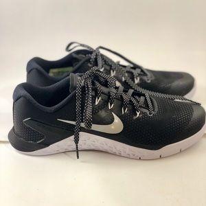 Nike Shoes - Nike Metcon 4 Cross Trainers sz 9